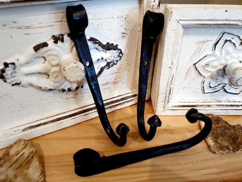 Historisch anmutender handgeschmiedeter Wandhaken einzeln oder im Set