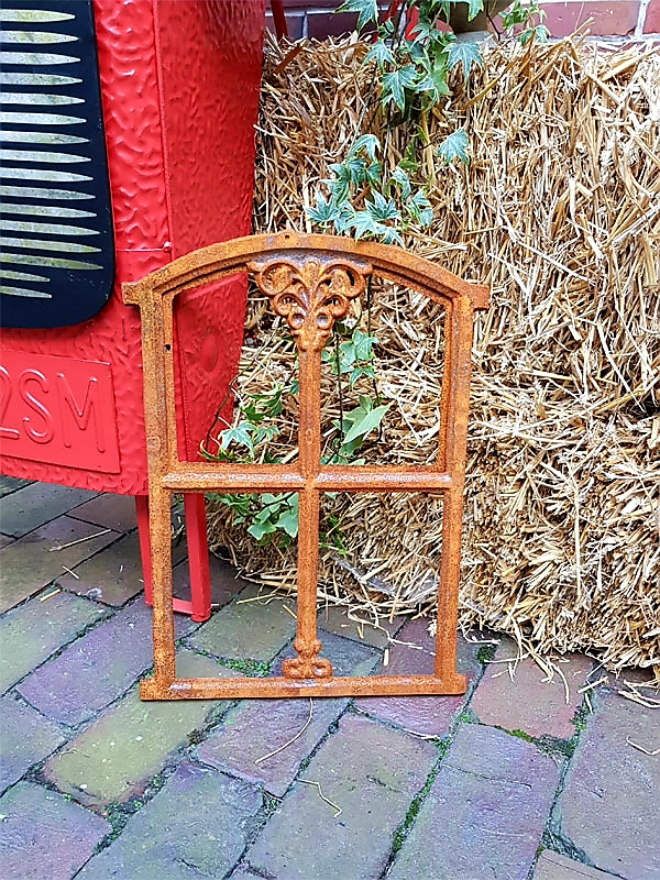 Stahlfenster Gartendeko