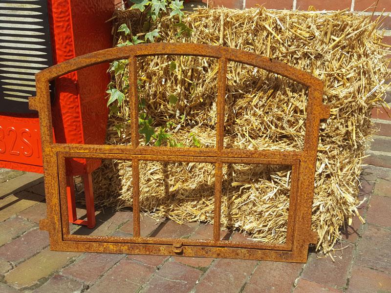 Stallfenster Fenster Gartenmauer