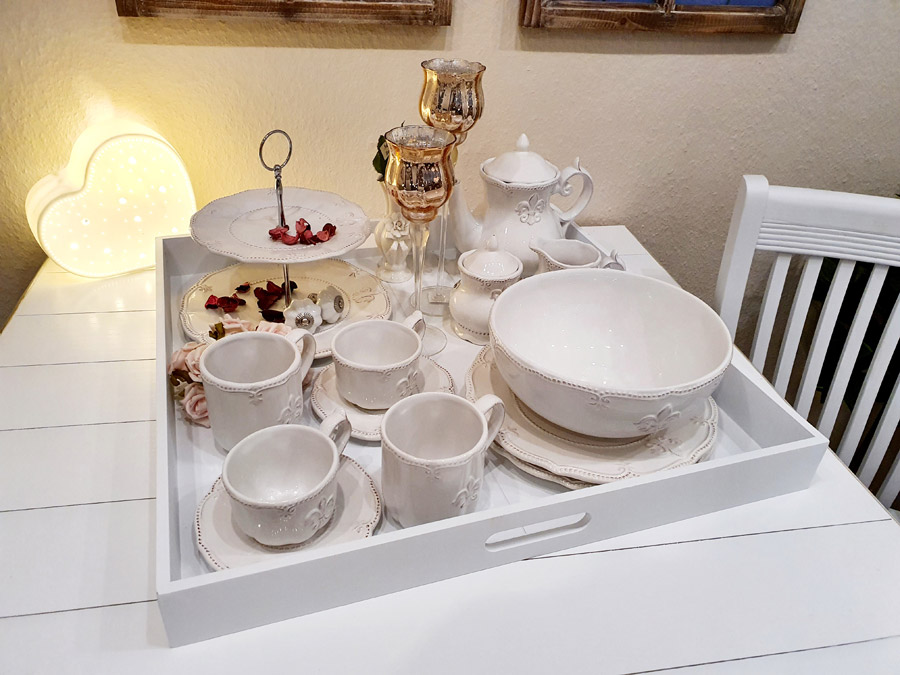 "Etagere ""Fleur de Lis"" weiße Keramik"